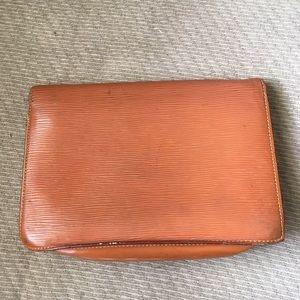 cade0568091b Louis Vuitton Bags - SALE✨LV Cognac Epi Gold Envelope Wristlet